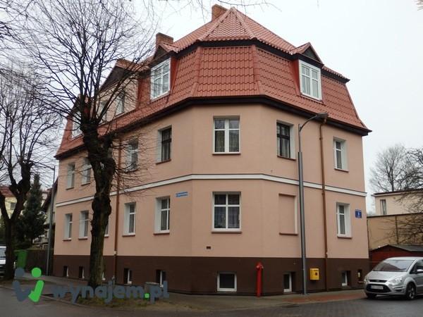 Wynajmę mieszkanie -60 m2 - z garażem i piwnicami - Białogard Centrum